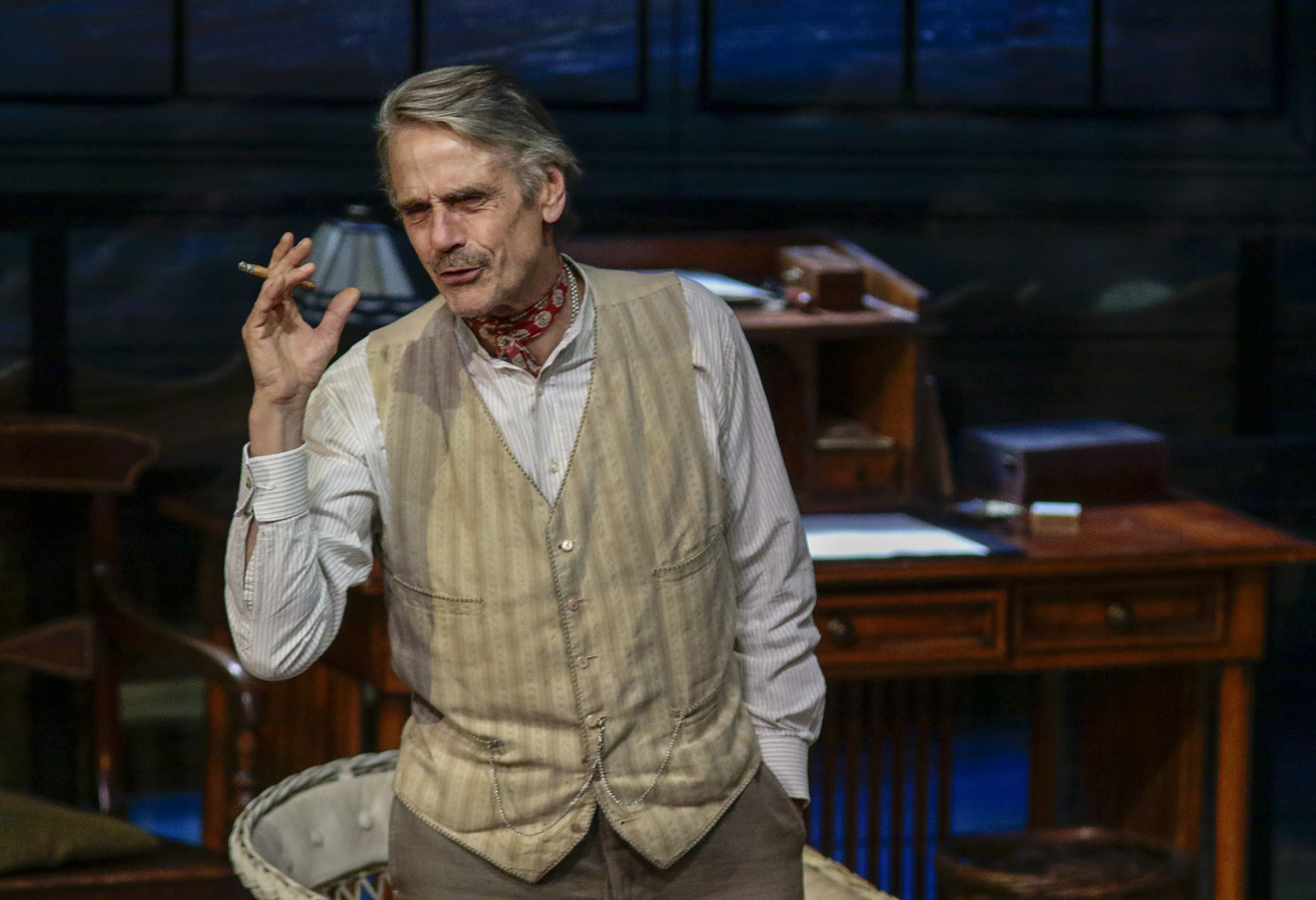 Jeremy Irons (James Tyrone). PHOTO CREDIT: Lawrence K. Ho